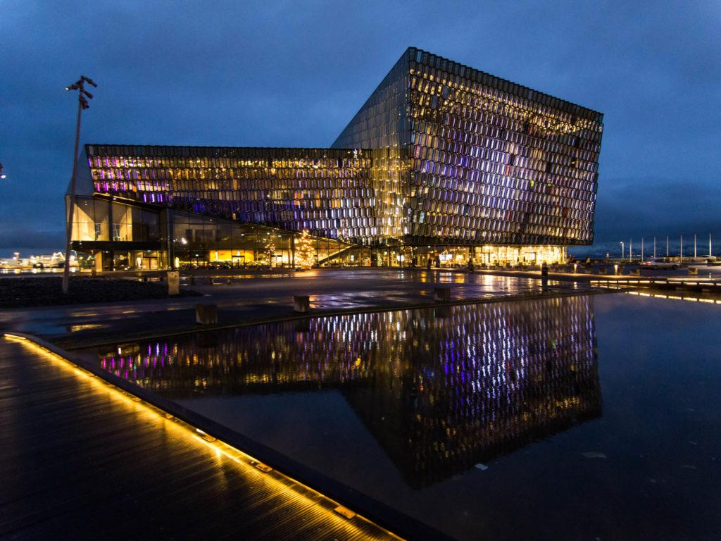 Harpa Concert Hall de Reykjavik
