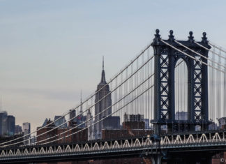 Manhattan Bridge depuis Pebble Beach (Dumbo) - New-York