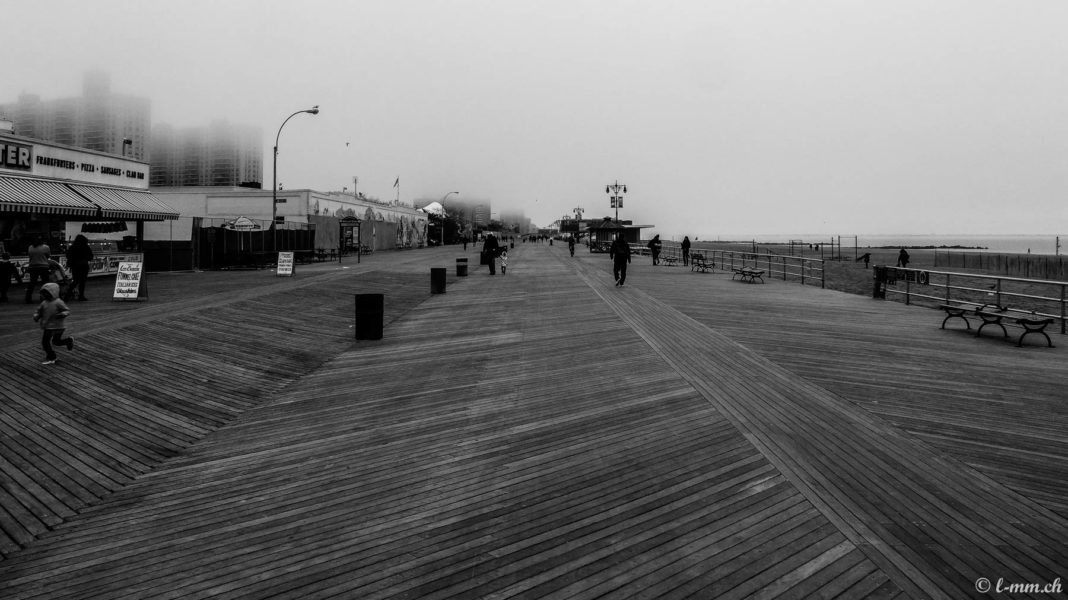 Riegelmann Boardwalk, Coney Island - New-York