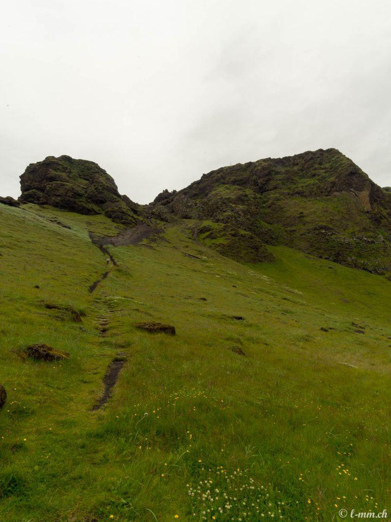 Accès au plateau au dessus du port - Iles Vestmann - Islande