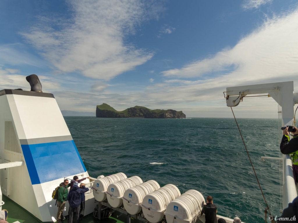Vue sur Ellidaey depuis le Ferry pour les îles Vestmann - Islande